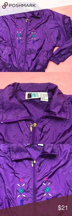 """Vintage Bold Spirit windbreaker jacket Womens S Vintage windbreaker jacket by Bold Spirit. Size Small. Has an elastic waistband.  Length is 27"""". Length is 26"""". Pit to pit 21"""". Bold Spirit Jackets & Coats"""