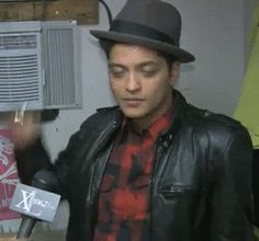 Bruno Mars Pictures (Page: 30)