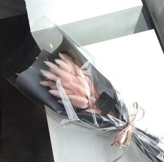 Сохранённые фотографии – 3 198 фотографий Bouquet Wrap, Dried Flower Bouquet, Dried Flowers, Fresh Flowers, Paper Flowers, Beautiful Flowers, Boquette Flowers, Flower Boxes, My Flower