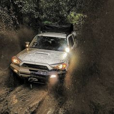 Tunnel of mud 《《《《《《《》》》》》》》 Check out! @toyotastrong Check out! @la_4runner…