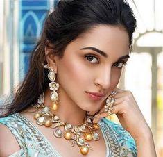 Happy birthday 🎂🎈🎉  Kiara Advani Indian actress Latest Images, Latest Pics, Hot Actresses, Indian Actresses, Western Dresses For Girl, Kiara Advani Hot, Song Images, Juhi Chawla, Photos Hd