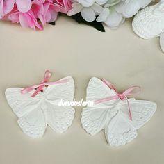 Kelebeklerimiz istenilen renklerde istenilen organizasyonla için yapilir #kokulutas #doğum #babyshower #düğün #nişan #kına #bekarlığaveda #kapısüsü #çerçeve #isimlik #magnet #patik #ayakkabimagnet #duruduslerim