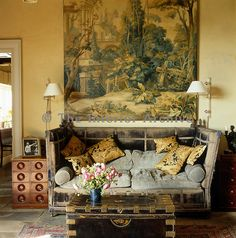A large century tapestry cartoon hangs above a vast antique Knole sofa in the living room Antique Living Rooms, New Living Room, Living Room Decor, Asian Sofas, Knole Sofa, Traditional Tapestries, British Colonial, Wall Patterns, Wall Tapestry