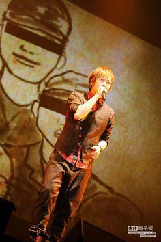 五月天阿信昨在倫敦飆嗓,用歌聲西征歐洲。