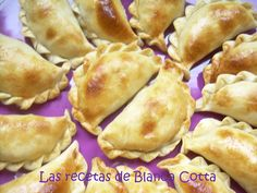Blanca Cotta en nuestra cocina: EMPANADITAS DE CHOCLO Spanish Food, Spanish Recipes, Calzone, Quesadilla, Burritos, Pop Tarts, Apple Pie, Sandwiches, Tacos