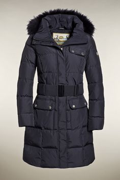 GB0730123  Elegant and luxurious down jacket. This luxurious down jacket keeps you warm even in the coldest weather conditions, while the sleek cut and colour gives you the streamlined, contemporary silhouette. The hood and the fur trim are both detachable. The fabric has a waterproof coating on the back. Furthermore this coat has several flap pockets with zipper on the front and two inner pockets for holding all you essentials.