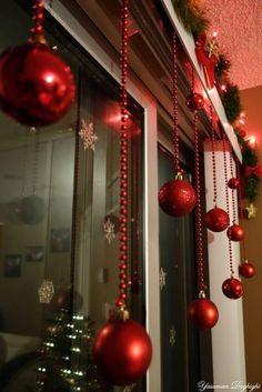 Classy Christmas Window Decor Ideas That Looks Elegant 37 Diy Christmas Decorations For Home, Diy Christmas Lights, Classy Christmas, Gold Christmas, Rustic Christmas, Christmas Home, Christmas Crafts, Christmas Ideas, Office Christmas