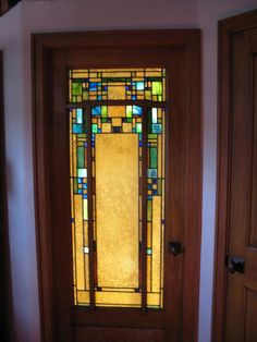 Schlafzimmertür - stained glass and tiles - dekoration Stained Glass Door, Stained Glass Designs, Stained Glass Patterns, Leaded Glass, Mosaic Glass, Craftsman Door, Craftsman Interior, Craftsman Style Homes, Craftsman Furniture