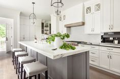 Birgitte Pearce Design Kitchen Island Lighting Modern, White Kitchen Island, Kitchen Island With Seating, Gray Island, Leather Counter Stools, Leather Stool, Kitchen New York, Grey Kitchens, Layout