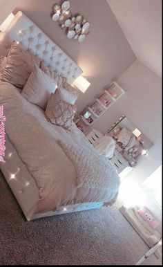 38 cozy home decorating ideas for girls bedrooms 14 Room Decor Bedroom Bedrooms COZY Decorating girls Home Ideas Simple Bedroom Design, Girl Bedroom Designs, White Bedroom Design, Cozy Home Decorating, Decorating Ideas, Cute Room Decor, Girl Room Decor, Wall Decor, Wall Art