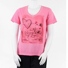 T-shirt rose à col V grande taille de 44 à 52 FR de la marque Léa H Curve #tshirt #LéaHCurve #mesboutiquesgrandetaille