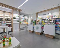 Farmacia Amodio - taller de farmacias. Diseño , proyectos y reformas de farmacias en Galicia, A Coruña, Pontevedra, Lugo, Orense.