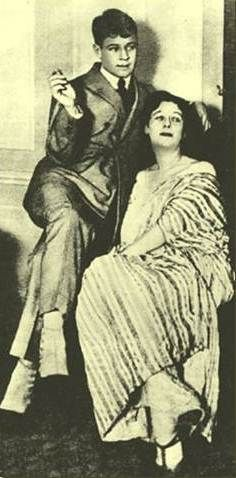 S.Yesenin & I.Duncan Russian Poets, Russian Men, Isadora Duncan, Paul Poiret, Goodbye My Friend, Russian Literature, Mystery Stories, Her World, Playwright