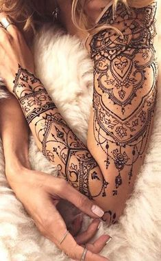 Tattoo Frau Oberarm Mandala Tattoos Tattoos Arm Tattoo Und