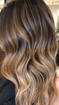 This is a fab! Warm look for long hair.