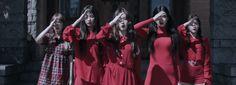 """Red Velvet leva você para um passeio assustador no MV """"Peek-A-Boo"""""""