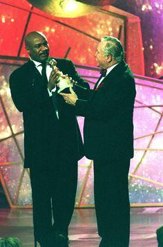 Ving Rhames at 1998 Golden Globes giving his award to Jack Lemon....  Most memorable moments of Golden Globes past