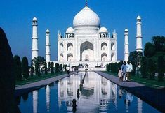 Taj Mahal Threatened by Pollution