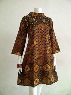 Model Baju Kerja Batik Source by brigitefran dress African Print Fashion, African Fashion Dresses, African Attire, Ethnic Fashion, African Dress, Fashion Outfits, Trendy Fashion, Model Dress Batik, Modern Batik Dress