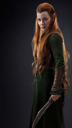 Tauriel as acted by Evangeline Lilly in The Hobbit trilogy. Hobbit Tolkien, O Hobbit, Lotr, Evangeline Lilly, Fili Et Kili, Legolas And Tauriel, Aragorn, Gandalf, Narnia