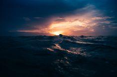 Dramatic Surfing Photos by Kalle Lundholm – Fubiz Media