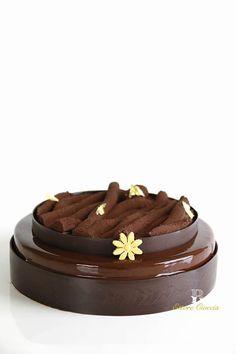 Chocolate Truffle Cake, Chocolate Truffles, Beautiful Desserts, Beautiful Cakes, Chocolates Gourmet, Mirror Glaze Cake, Easy Cake Decorating, Cake Truffles, Fancy Desserts