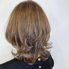 Haircuts For Medium Hair, Medium Hair Styles, Short Hair Styles, Pelo Ulzzang, Bob Hairstyles, Wedding Hairstyles, Jawline, Beauty Shop, Hair Lengths