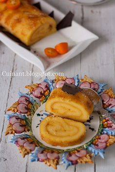 Cuinant: Brazo de Naranja -Torta de Laranja Mexican Food Recipes, Sweet Recipes, Spanish Desserts, Gula, Food N, Kitchen Recipes, Cupcake Cakes, Cupcakes, Bakery