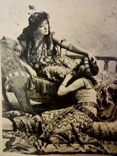 Lily Langtry and Sarah Bernhardt As 1890s Cleopatras | Veronica Scott