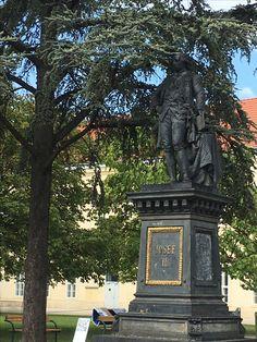 Campus Altes AKH, Denkmal Josef II. Garden Sculpture, Statue, Outdoor Decor, Home Decor, Art, Homemade Home Decor, Kunst, Sculpture, Decoration Home