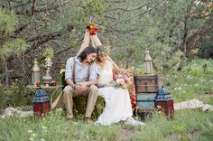 Bohemian Wedding Inspiration (image: @maurajanephoto via @luxemtweddings).