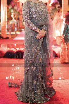 Latest Pakistani Dresses, Pakistani Fashion Party Wear, Pakistani Bridal Wear, Pakistani Dress Design, Fancy Dress Design, Bridal Dress Design, Stylish Dress Designs, Trendy Sarees, Stylish Sarees
