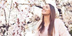 Het wandelseizoen is weer begonnen. Nu de dagen langer worden en de temperatuur wat hoger, komen de eerste bloemen uit de grond en veranderen de bomen langzaam van bruin naar groen. Daarom: de paden op, de lanen in met deze drie mooie routes tussen bloemen en bomen met bloesem. 1) Wandelen in Gent Vanaf 22…
