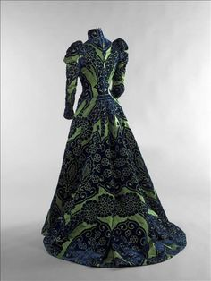 Countess Greffulhe's Tea gown, Maison Worth, circa 1897.