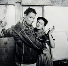 Diego Rivera and Frida Kahlo in Mexico. Photograph by Nickolas Muray, In the and photographer Muray was Frida Kahlo's friend, lover, and confidante. He continually photographed her over the course of their relationship. Frida E Diego, Diego Rivera Frida Kahlo, Frida Art, Art Photography Portrait, Portraits, Harlem Renaissance, Natalie Clifford Barney, Art Espagnole, Nickolas Muray