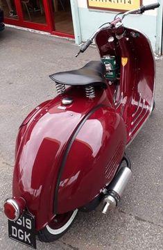 Nicely done Vespa Lml Vespa, Vespa Gts, Piaggio Vespa, Vespa Bike, Lambretta Scooter, Scooter Motorcycle, Vespa Scooters, Vintage Vespa, Vintage Bikes