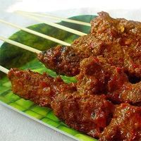 Sate Sapi Bumbu Kacang (Beef Satay with Wet-rubbed Peanut Sauce) Recipe. Bacon Appetizers, Appetizers For Party, Appetizer Recipes, Beef Satay, Indonesian Cuisine, Indonesian Recipes, Peanut Sauce Recipe, Asian Recipes, Ethnic Recipes