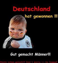 Timm muss sein Bier allein kaufen ... ;)  Deutschland gewinnt...!!!  Virtuelles Hupkonzert = gefällt mir    Hup Hup Hup Hup Hup Hup
