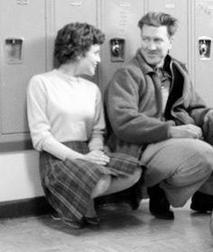 Sherilyn Fenn and David Lynch on the set of Twin Peaks