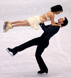 Silver medalist Marie-France Dubreuil and Patrice Lauzon of Canada skate in the ice dancing free dance during the World Figure Skating Championships at the Tokyo Gymnasium on March 2007 in Tokyo,. Get premium, high resolution news photos at Getty Images Pairs Figure Skating, Figure Ice Skates, Figure Skating Outfits, Virtue And Moir, Tessa Virtue Scott Moir, Tessa And Scott, World Figure Skating Championships, Ice Skaters, Ice Dance