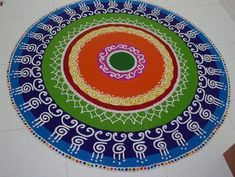 Making Rangoli designs at your house during any event is what everyone tries to achieve. Here are 75 simple rangoli designs for 2020 that are easy to make and will look the best with minimal efforts. Best Rangoli Design, Indian Rangoli Designs, Rangoli Designs Latest, Rangoli Designs Flower, Rangoli Designs With Dots, Rangoli Designs Images, Flower Rangoli, Rangoli With Dots, Beautiful Rangoli Designs
