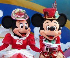 Mickey & Minnie at Disney Sea