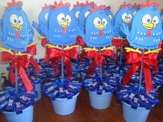 mesa decorada da galinha pintadinha - Pesquisa Google Baby First Birthday, Birthday Diy, Birthday Party Decorations, Birthday Parties, Birthday Ideas, Lottie Dottie, Tiki Party, Ideas Para Fiestas, Circus Party