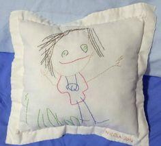 La Girandola Creativa: Auguri zia Ale! disegno di bimbo ricalcato e ricamato su stoffa