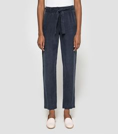 The Most Stylish, Comfortable Airport Pants (That Aren't Jeans) via @WhoWhatWearUK