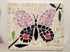 Butterfly mosaic by Omayra Mirror Mosaic, Mosaic Art, Mosaic Glass, Butterfly Mosaic, Mosaic Birds, Mosaic Birdbath, Mosaic Garden, Mosaic Crafts, Mosaic Projects