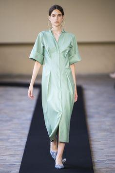 Mila Schön at Milan Fashion Week Spring 2018 - Runway Photos Milan Fashion Weeks, New York Fashion, Latest Fashion Trends, Runway Fashion, Fashion News, Fashion Show, Fashion Design, Womens Fashion, Jacquemus