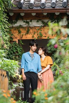 Temperature of Love Korean Couple Photoshoot, Couple Shoot, Handsome Korean Actors, Korean Wedding, Love Posters, Couple Illustration, Couple Photography Poses, Sweet Couple, Actors & Actresses