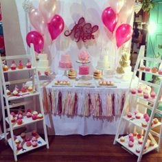 A La Roch used Mocka Ladder Shelves to display their cupcakes. This is a great idea for a kids birthday party.