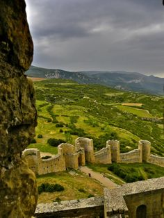 Castillo de Loarre  y  amenaza de tormenta -Huesca  Spain